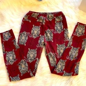Lula row leggings maroon with owls. One size